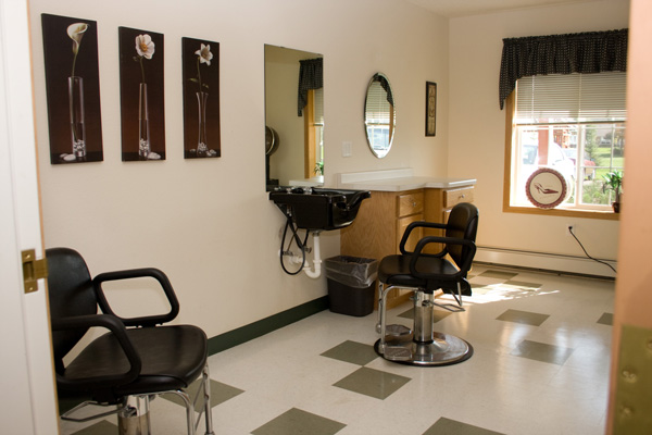 Beauty Barber at Meadow Ponds Assisted Living